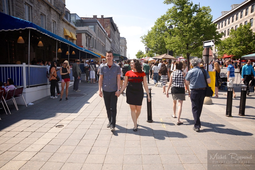couple-promenade-place-jacques-cartier