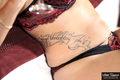 photo-boudoir-tatoo-sur-le-ventre