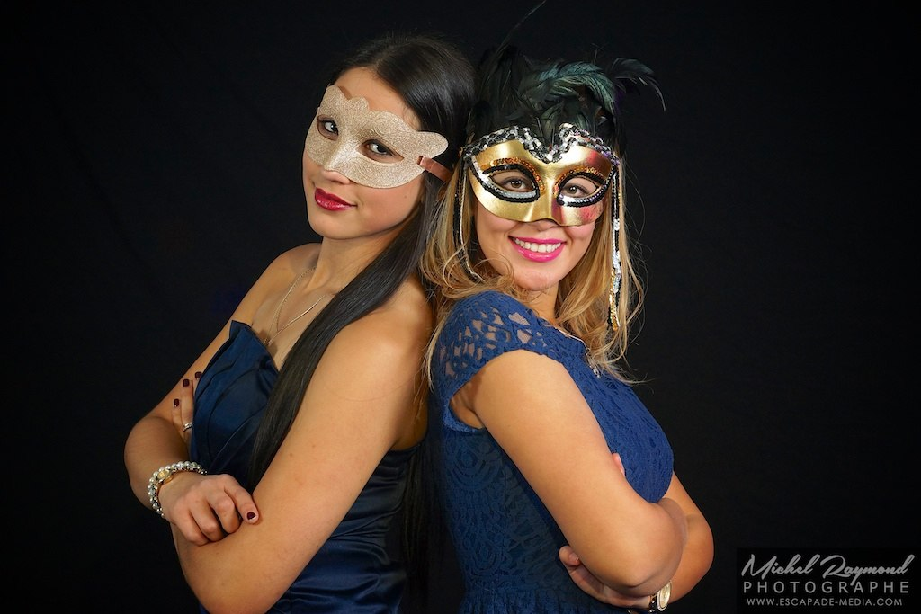 photobooth latina et blonde masqué