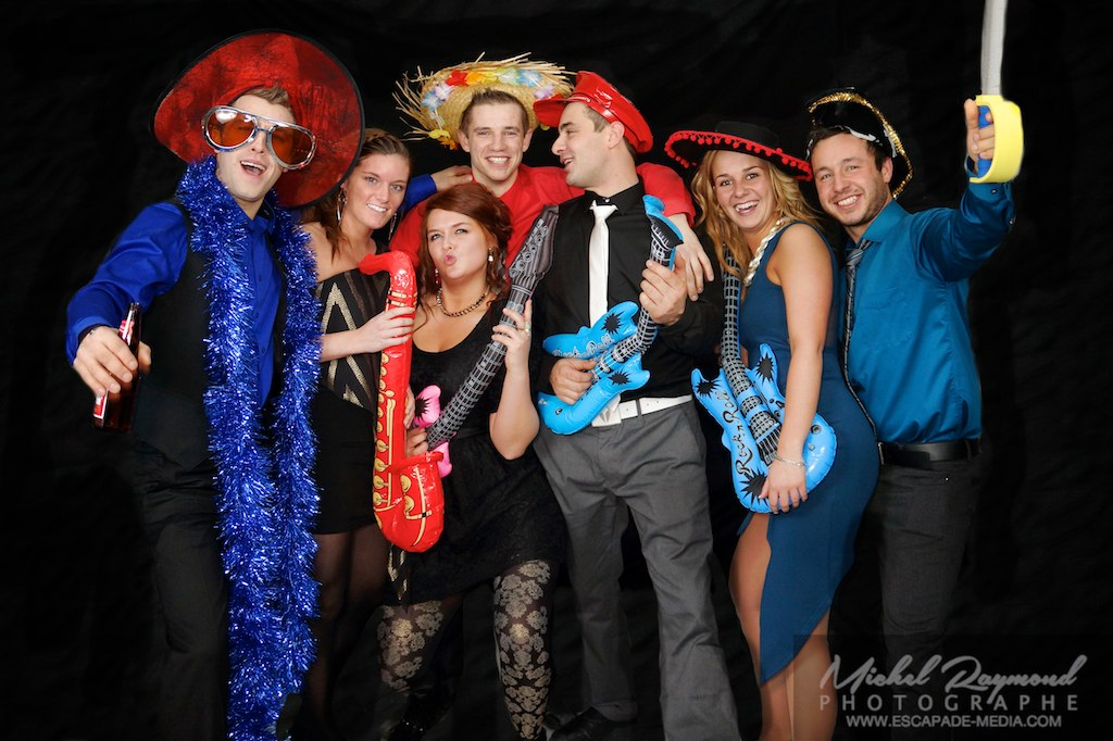 photo-booth-de-mariage-groupe-drole