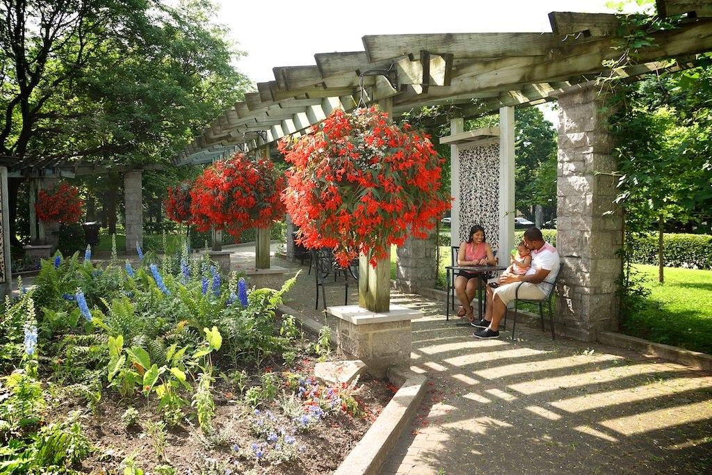 S ance couple amoureux au jardin botanique de montr al - Jardin botanique de montreal heures d ouverture ...