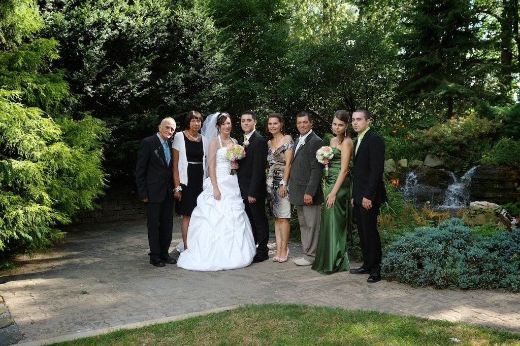 Photo des mariés avec la famille à saint-Jean-sur-Richelieu