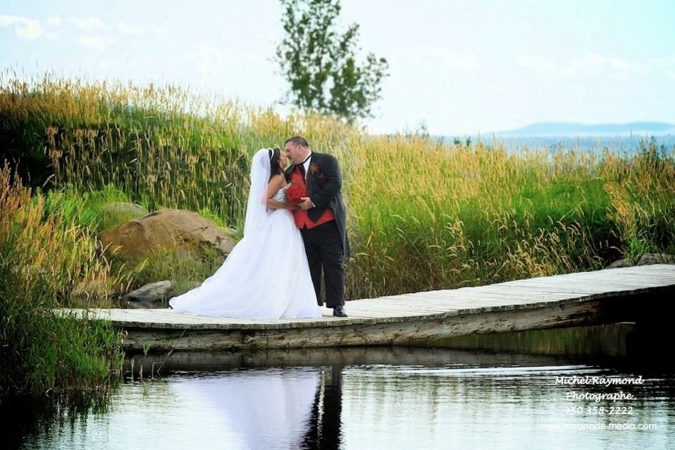 photo-de-marage-amoureux-au-bord-du-lac