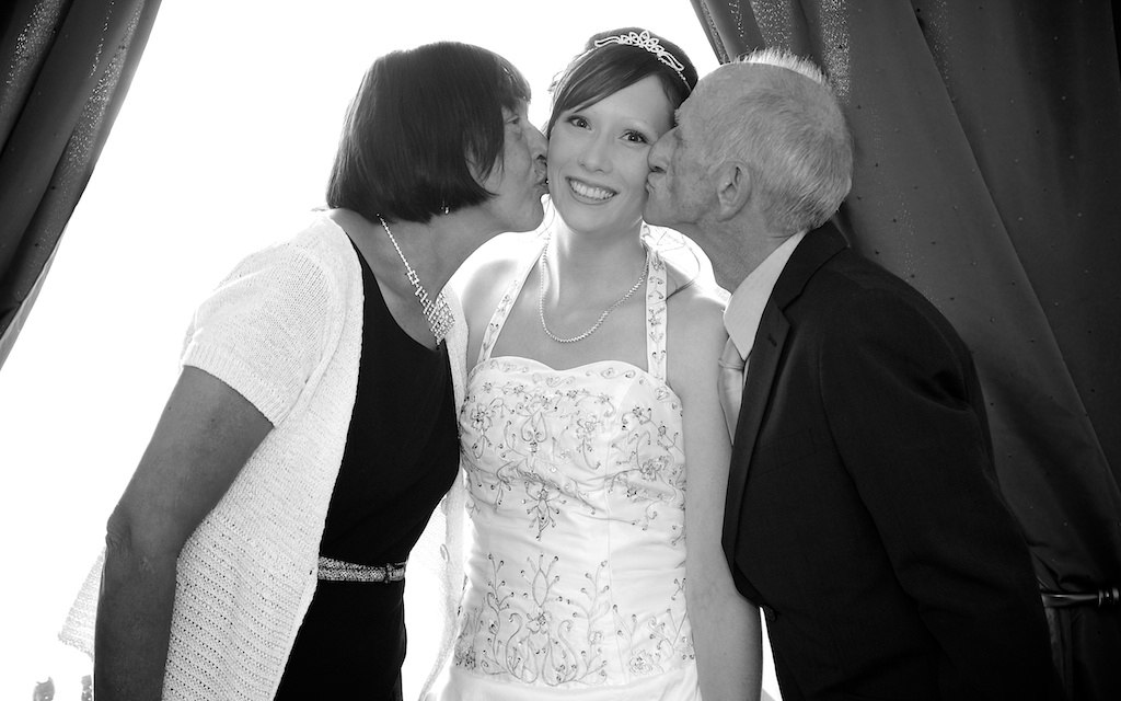 de mariage noir et blanc d'Émilie et Gabriel à Saint-Jean-sur ...