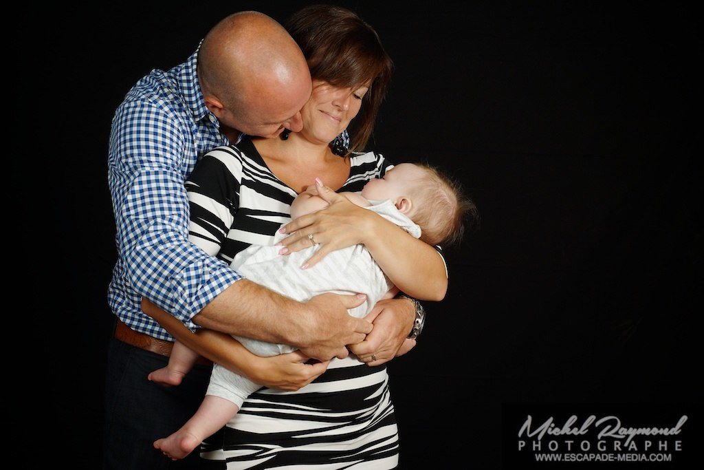 photo parent avec bébé en studio